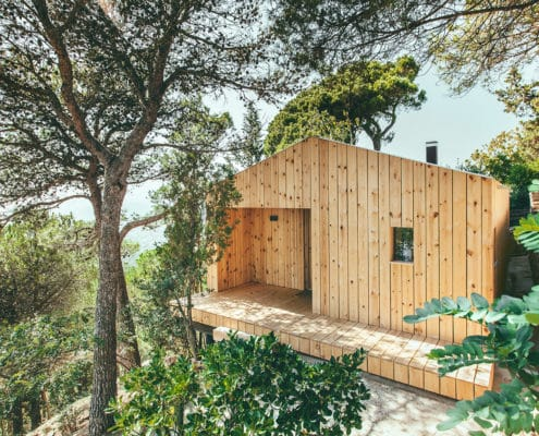"ARCHITECTURE: A prefabricated house convinces by its sustainability through energy efficiency. The ""Wooden House"" is representative as a model for an ecological construction."