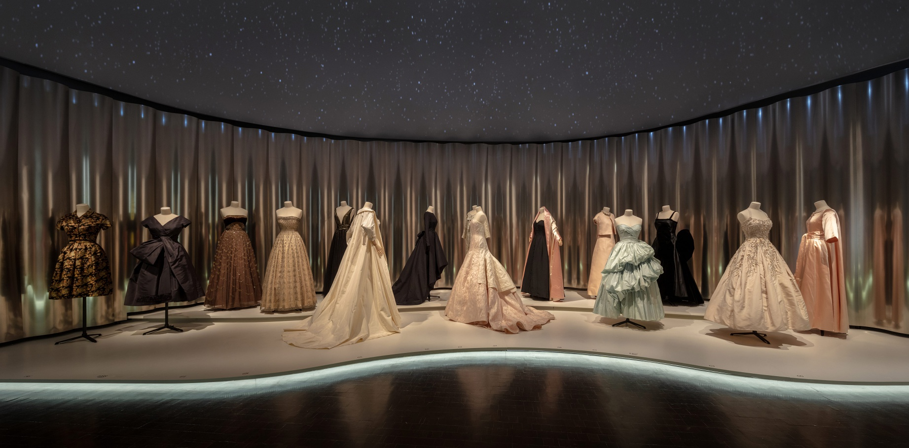 El Museo de Arte de Denver acoge la exposición de Dior - Photo ©James Florio