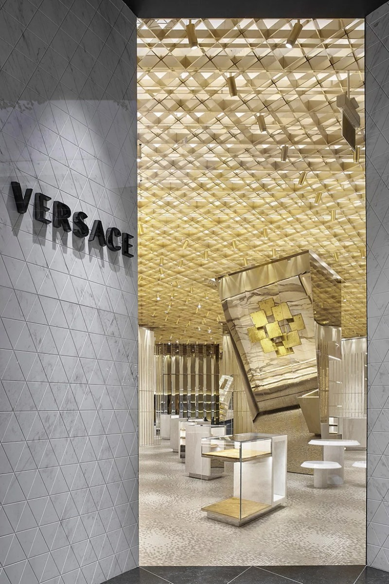 Versace's Miami - The New Store Designed by Gwenael Nicolas versace's miami Versace's Miami – The New Store Designed by Gwenael Nicolas The New Versace s Miami Store Designed by Gwenael Nicolas 6
