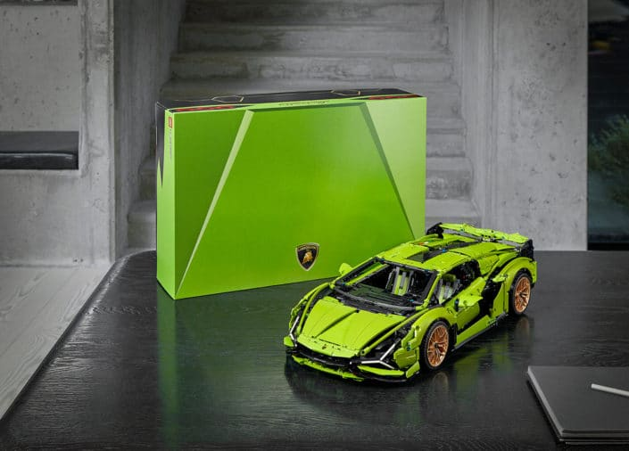 Automobili Lamborghini and the LEGO Group recreate the Lamborghini Sián FKP 37