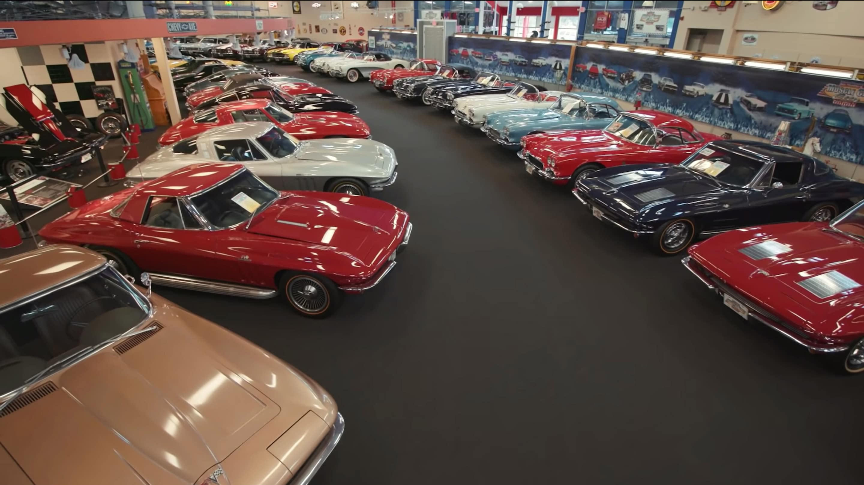 Muscle Car Museum Is auction More Than 200 American Classics