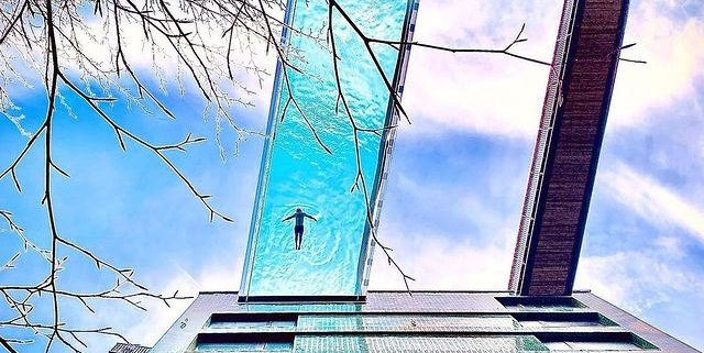 Embassy Gardens Sky Pool Suspended Glass Swimming Pool