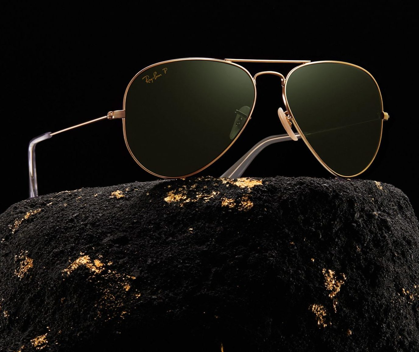 RAY-BAN LIMITED AVIATOR SOLID GOLD