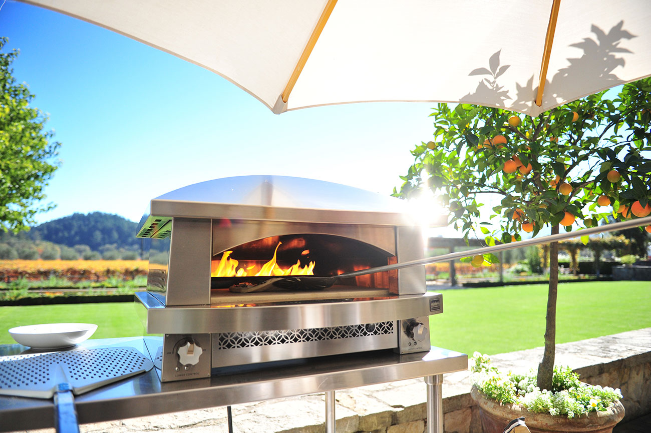 KALAMAZOO OUTDOOR GOURMET – THE ARTISAN FIRE PIZZA OVEN – PIZZA AND SO MUCH MORE