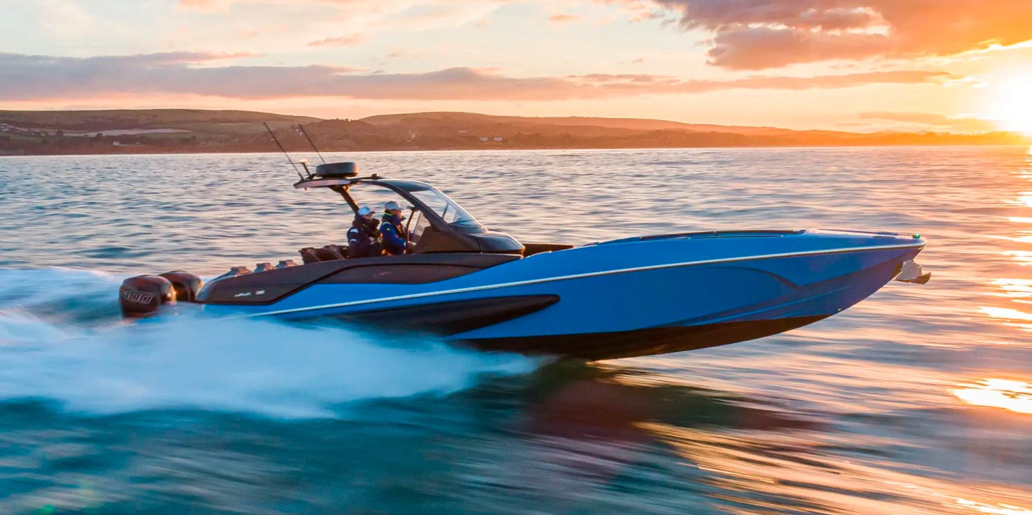 Sunseeker HAWK 38 – Thrill of the Chase